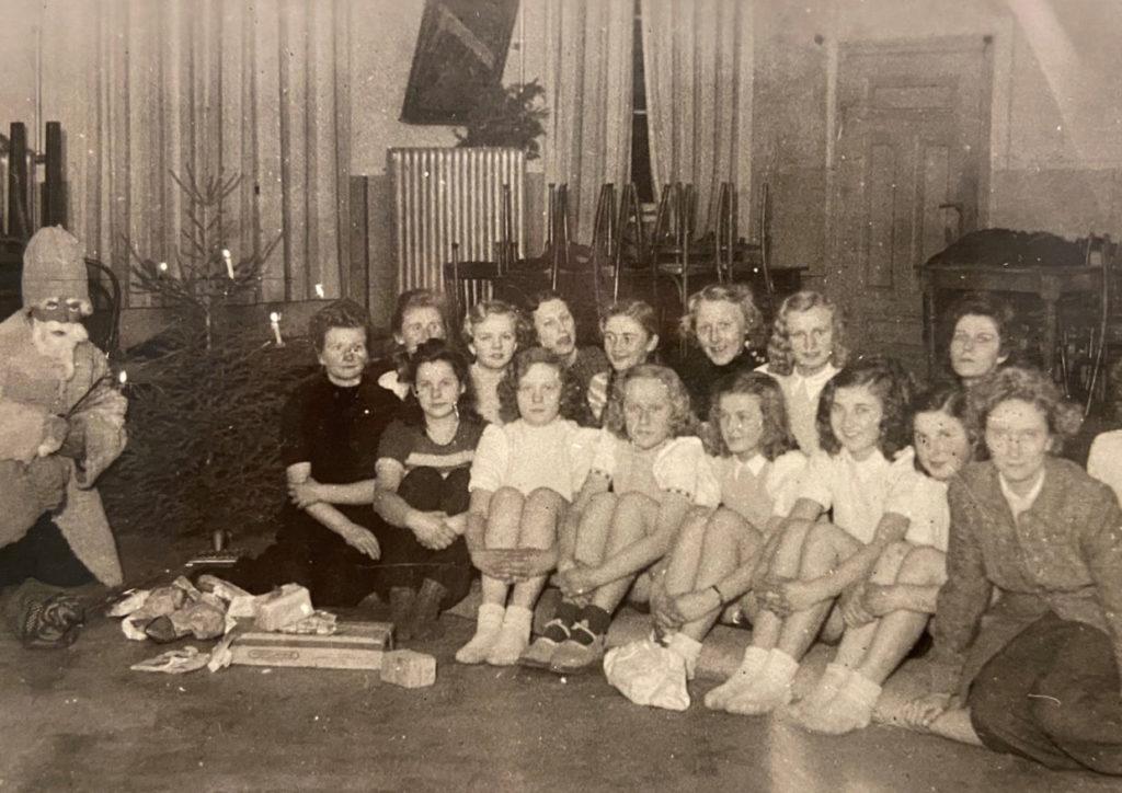 Jahresabschlussturnen im Deutschen Haus im 1948