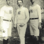 Turner im Jahr 1929 mit Gründungsemblem BTS - Turnerschaft Burg Spreewald